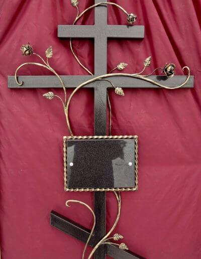 Кованный крест на могилу