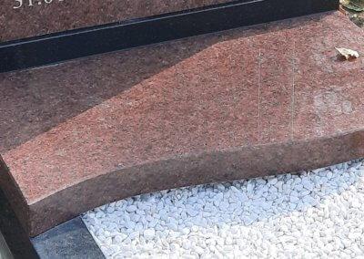 Гранитная полка для памятника